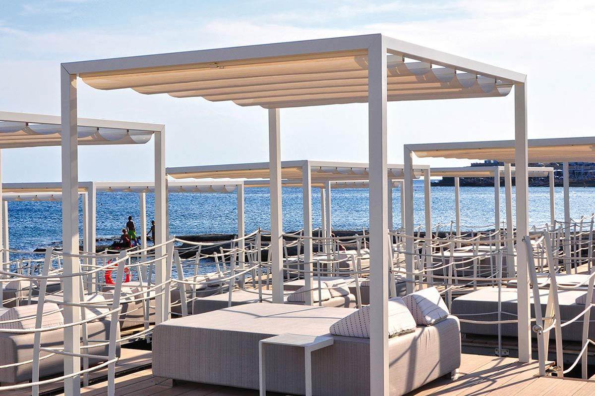 pergola-autoportante-alluminio-beach-scorrevole-spiaggia-ombra-stabilimenti-balneari