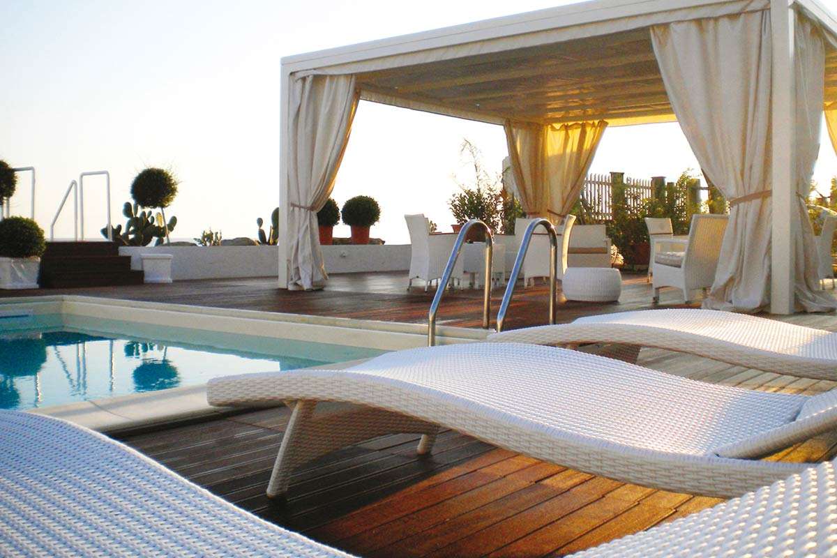 pergola-autoportante-beach-bordo-piscina-arredo